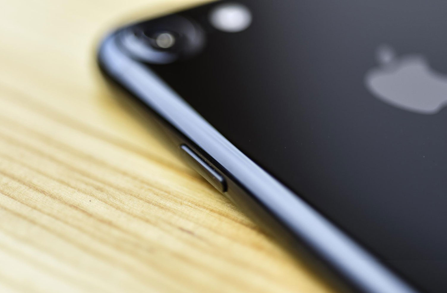 iPhone 7 lost LG G5 in the ranking of the best smartphones of the year according to iFixit