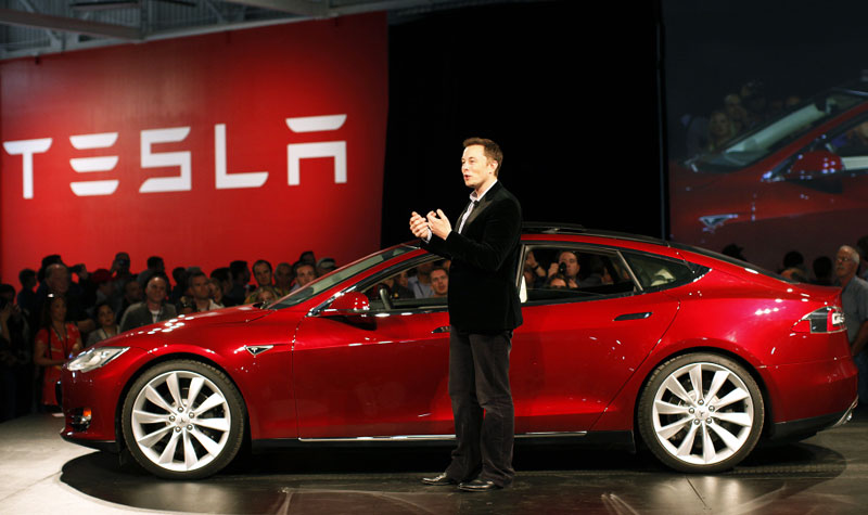 Tesla strikes back: Elon Musk has poached the chief recruiter Apple