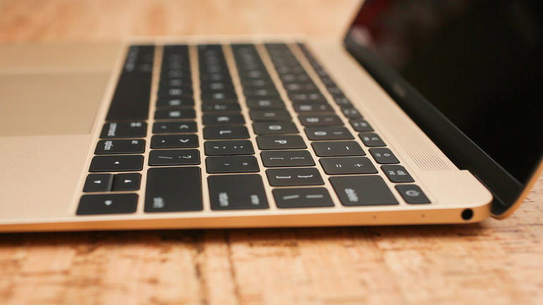 Apple Added The Symbol Of The Ruble On The Keyboard Of New Macbook